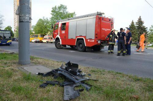 baleset_tuzolto_auto_130430_fkcs_8.jpg